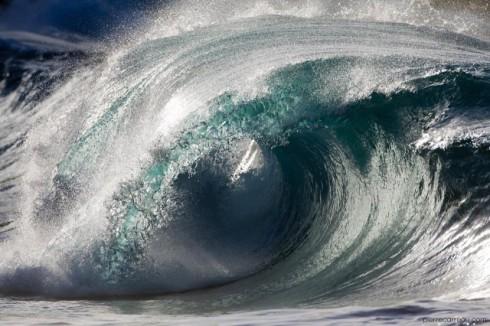 Powerful-Waves-640x426