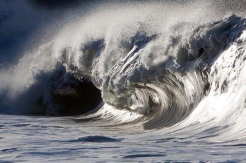 Powerful-Waves3-640x426