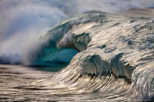 Powerful-Waves6-640x426